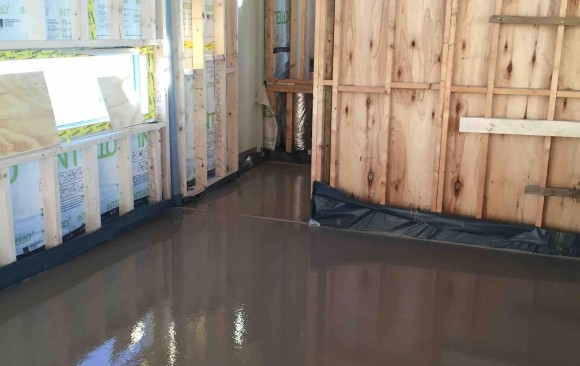 Timber frame in Lusk 50 mm screed over UFH_Fast Floor Screed